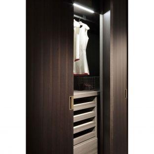 Clip Wardrobe Example